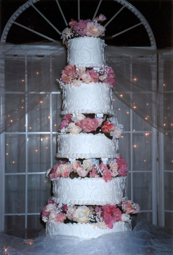 Delightful Buttercream Wedding Cakes #1: 32.jpg