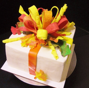 Fall Cake w Sugar Leaves 0826